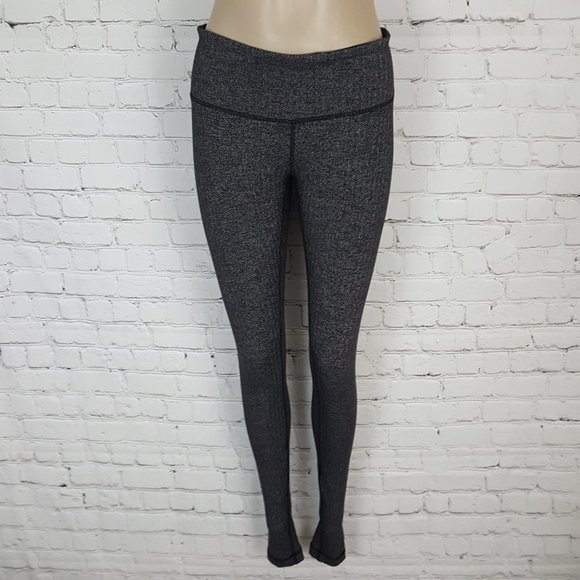 Lululemon Black Herringbone Wunder Under Pants 8